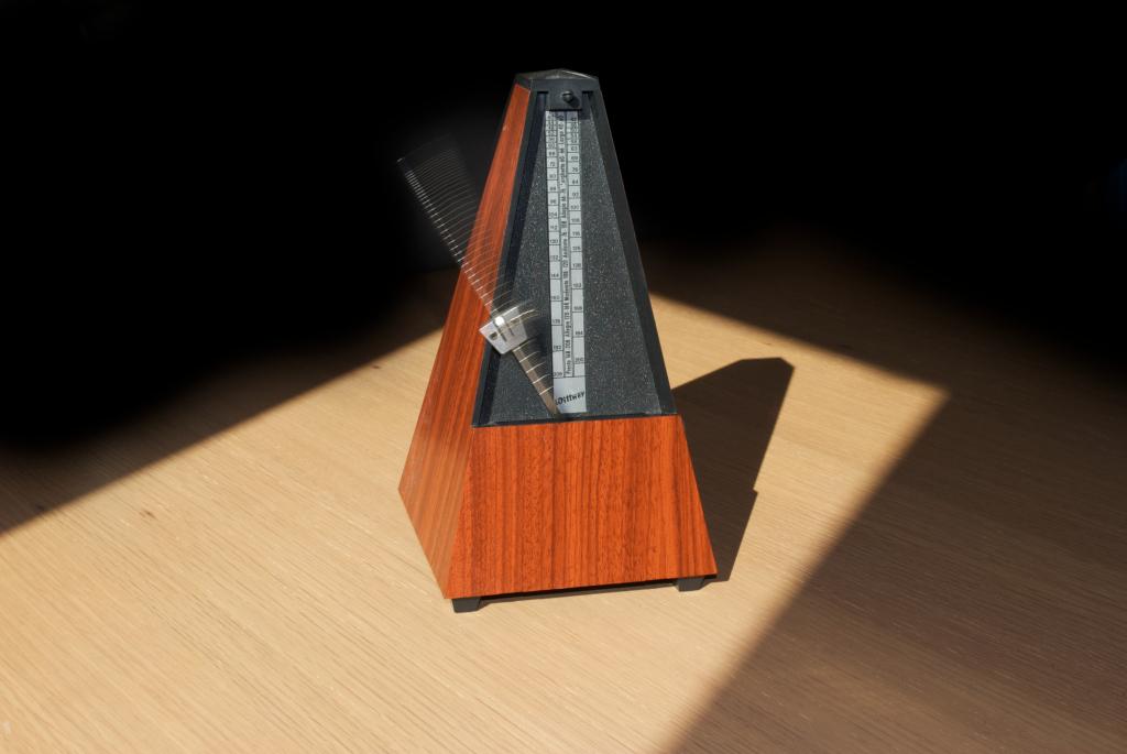 Metronome_2-12